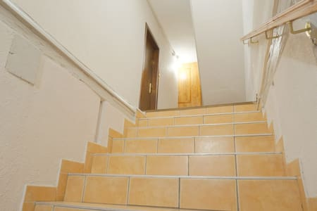 Cage d'escalier éclairée