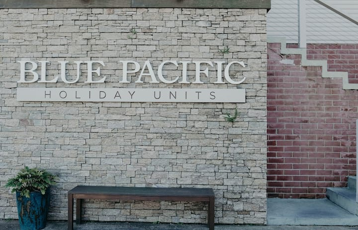 Blue Pacific Holiday Units / 3- NO CLEANING FEES
