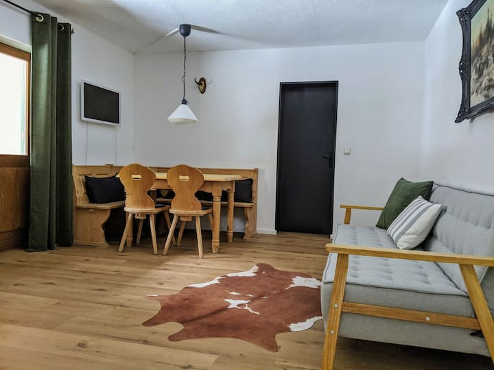 Apartment 2 (2 bedrooms, kitchenette, balcony)