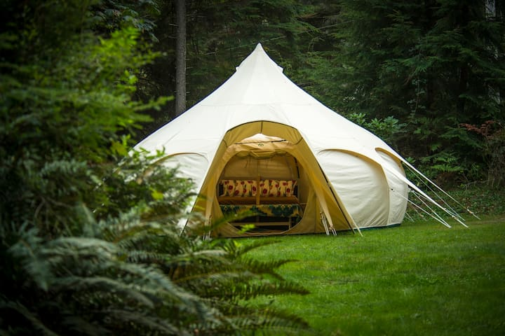 Spacious Lotus Belle Tent