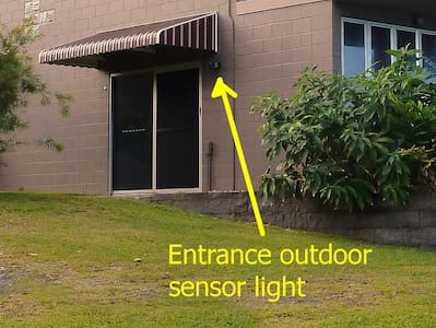 Entrance outdoor sensor light. Cars can drive up to the door for unloading