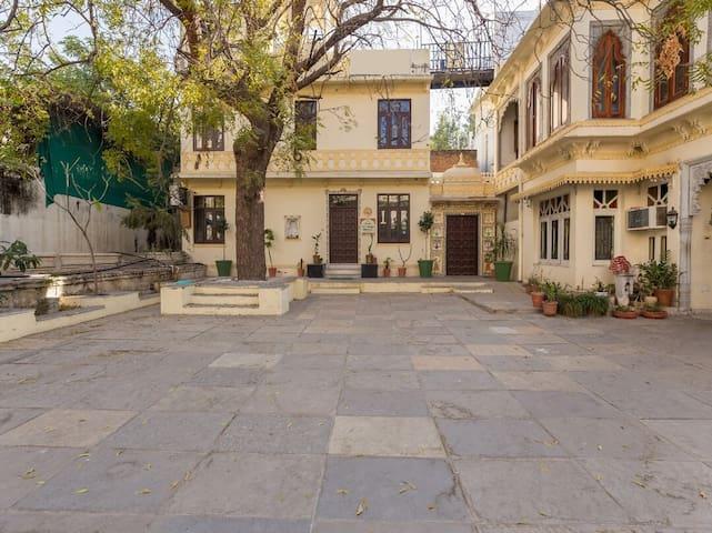 Sun Heritage Homestay Haveli Room Experience