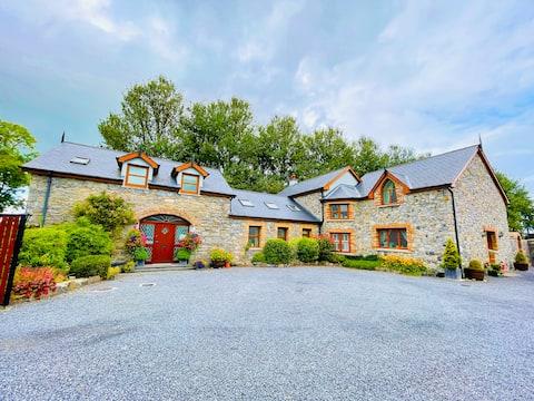 Cozy Stone Cottage Annex