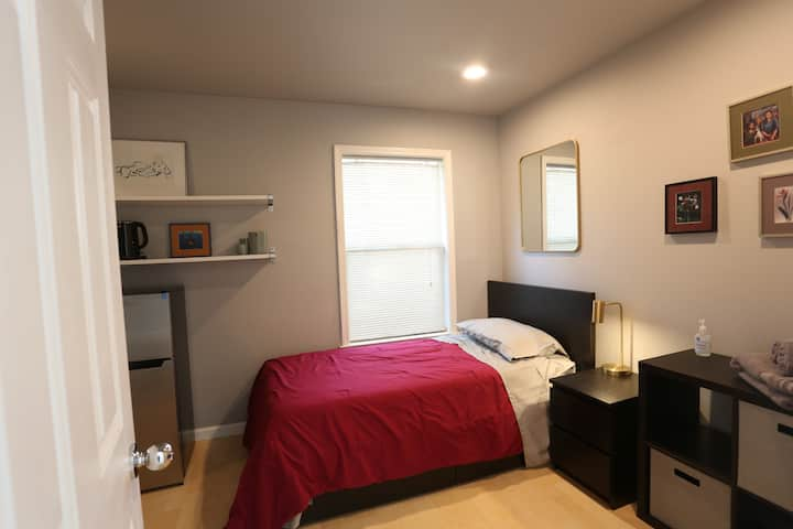 Private Room/Bath in Downtown Davis