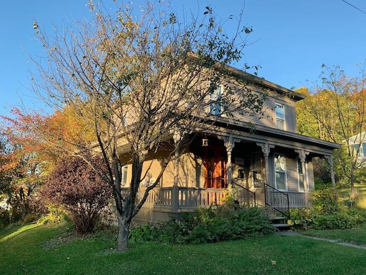 1890 House