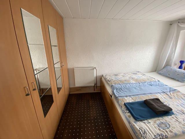 Schlafzimmer 2. Doppelbett  + Einbauschränke