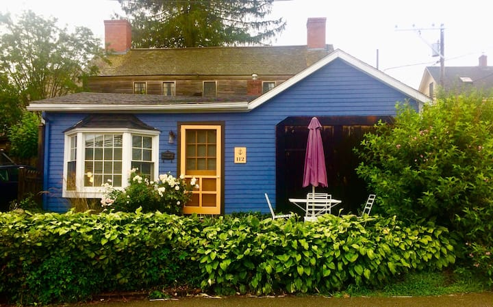 Riverfront Cottage in Historic South End