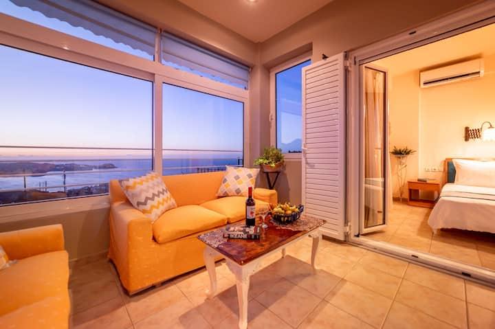 Filia's Stunning Sea view Apartment