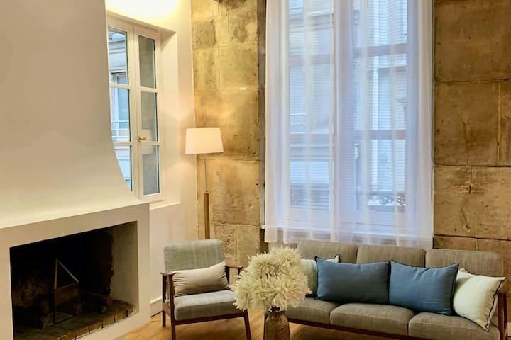Luxury one bedroom, Heart of Marais