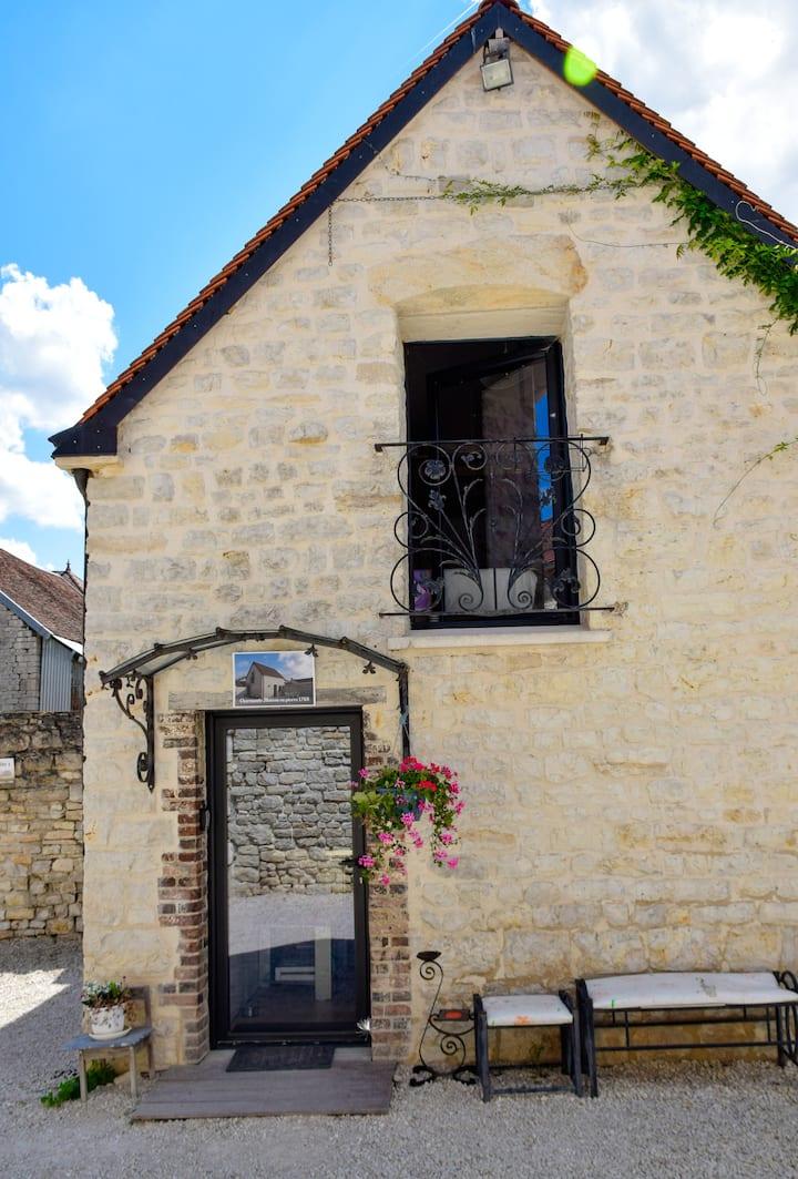 Charmante maison en pierre 1768