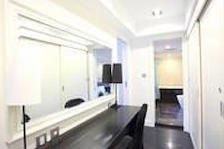 這是最窄的化妝室走道也超過91Cm