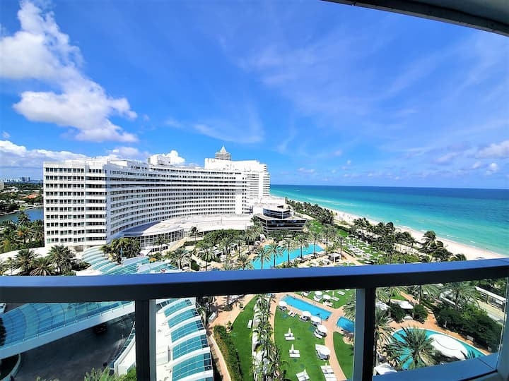 FontaineBleau Resort, Balcony w/ Pool & Ocean View