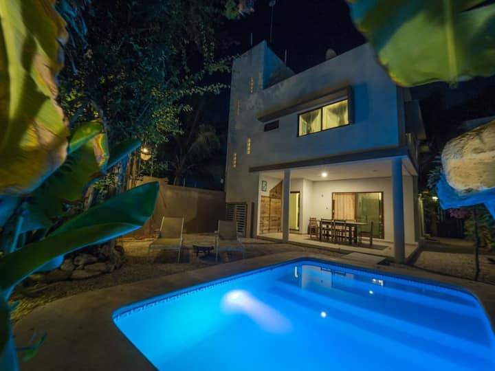 Casa Agua. Private house with Pool, 3 Rooms 8 pax.