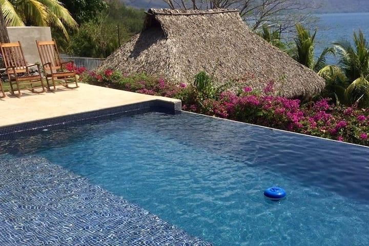 Aguas de Apoyo, Amazing Guest House
