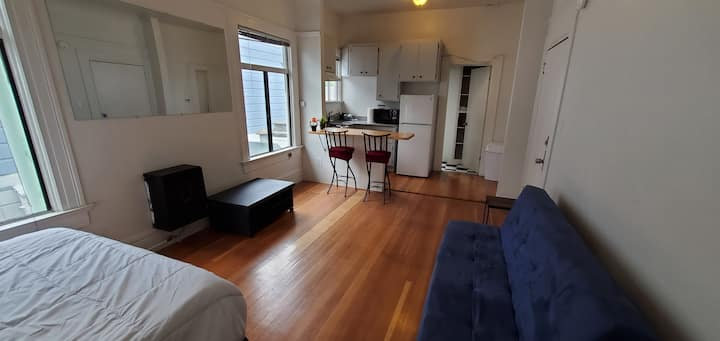 Studio by Alamo Square Park F4