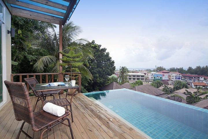 Villa with sea view, 900 meters from Karon beach