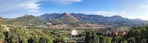 "Tana Libera Tutti 1: ""Nature, yourself and love""."
