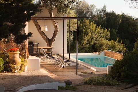 Vivienda y piscina  uso exclusivo finca rústica