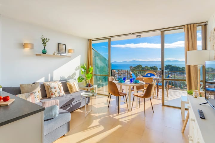 Great Apartment perfect view 1 min to the beach