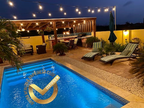 Modern 1BR villa w/pool, paradise awaits you!
