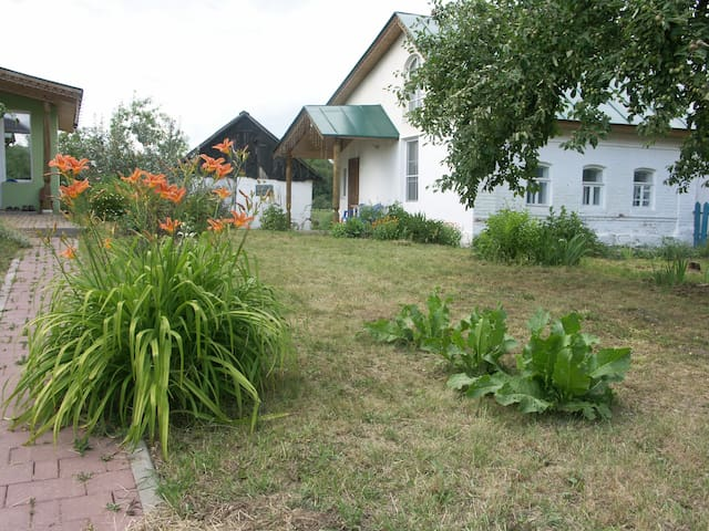 Guest House in Yasnaya Polyana Tula