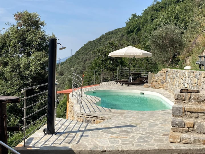 Casa Dei Fiori with private, heated swimming pool