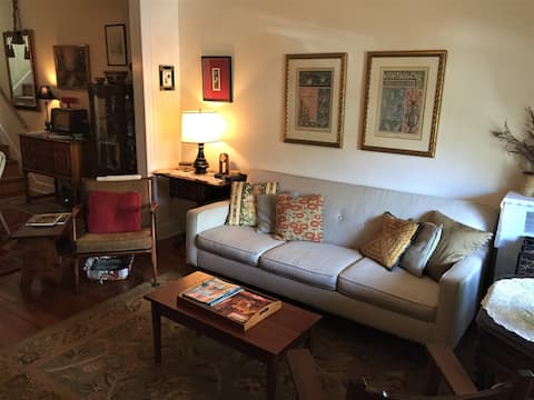 Comfy Home in Charming Hampden
