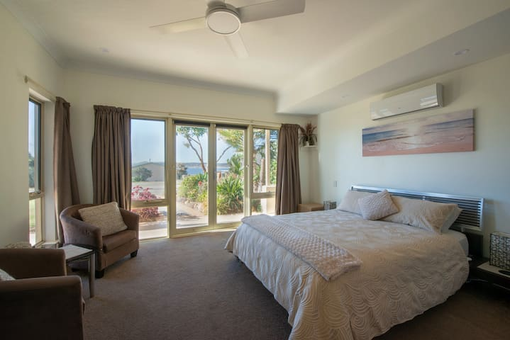 Searenity Holiday Apartment, Emu Bay