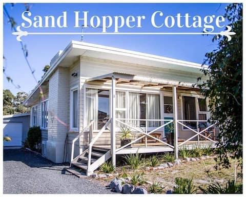 Sand Hopper Cottage, Binalong Bay