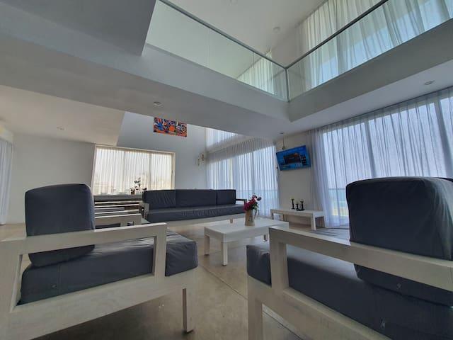CAPRICHO - Sala para 8 a 10 personas ( 2 sofás largos y 2 sofás individuales )