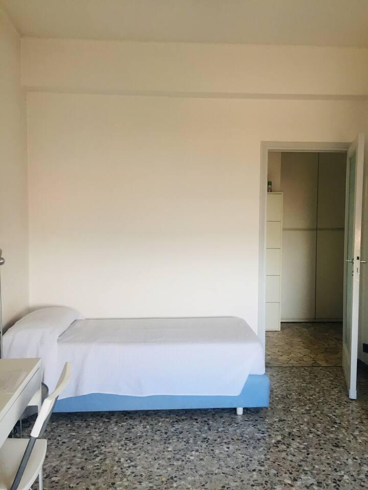 STANZA CENTRALE-PRIVATE ROOM