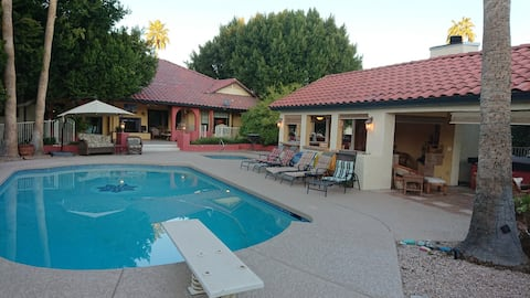 Orchard Cottage, Heated Pool and Hot Tub