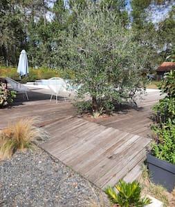accès terrasse et piscine