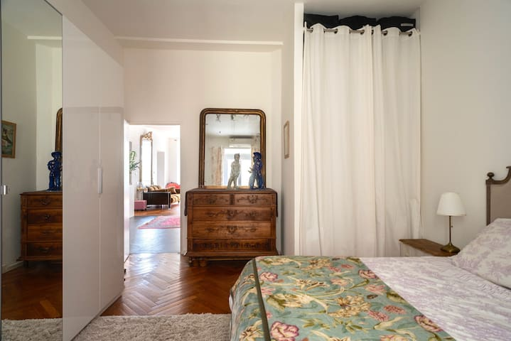 2nd master bedroom, queen size bed, large closet space, on private courtyard, air-con