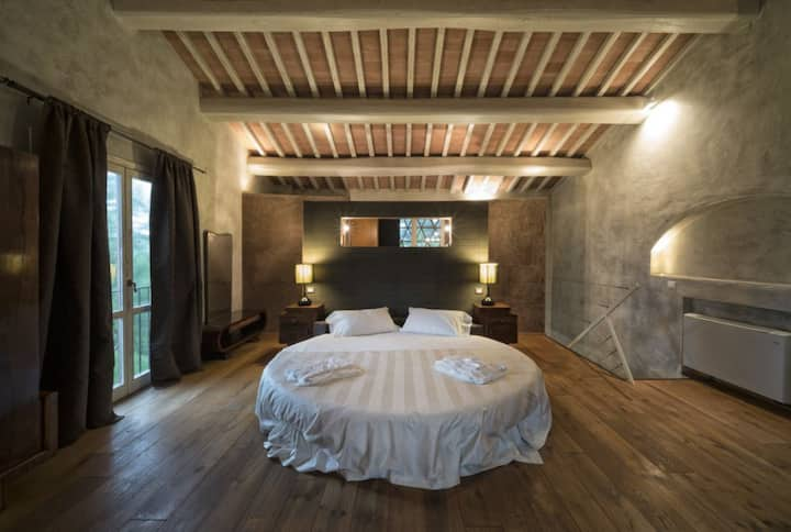 Villa Bardolino: farmhouse in Tuscany countryside