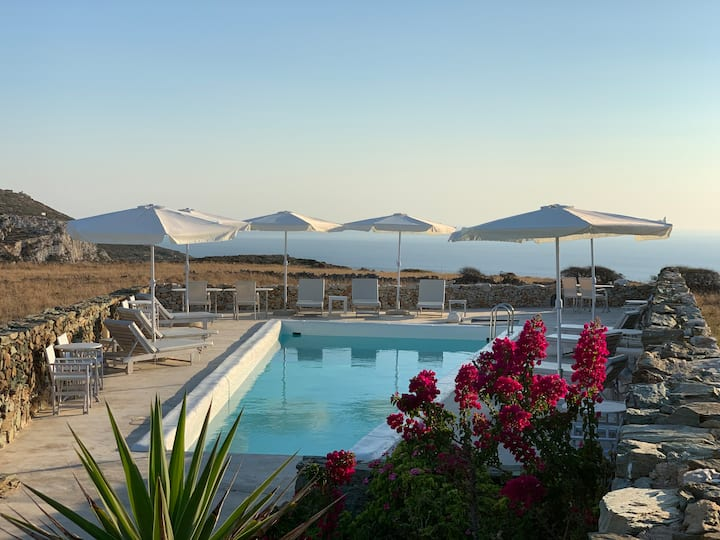 Folegandros - Villa Levanda & pool