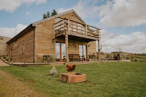 Huntercrook Lodge, near Hadrian's Wall & Hot Tub