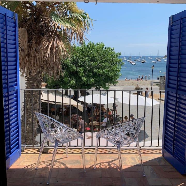 Spacious beachfront appartment