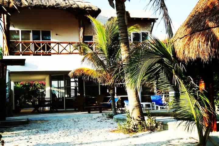 Casa  frente mar  Uaymitun km 16.5 Prog-Telchac