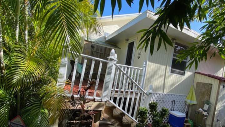 Fort Myers Beach: Studio Cottage Near Beach