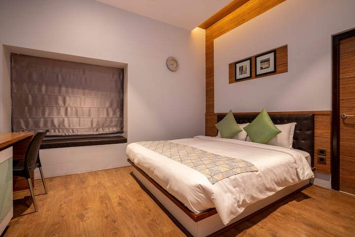 Fully furnished a/c rooms at Madhapur