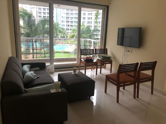 Pleasant stay, Lake view in Kharghar valley