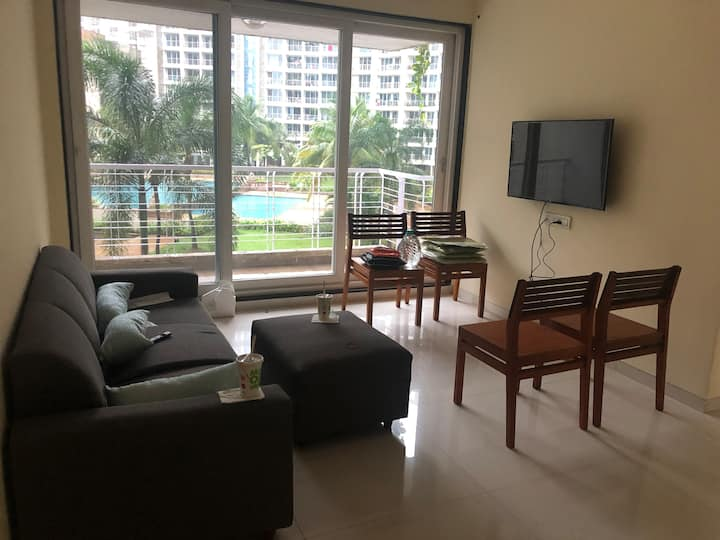 Pleasant stay, Lake view in Kharghar(private room)