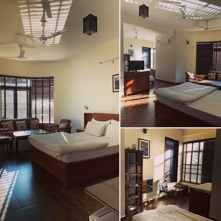 2 double beds suite room for 4 with a pvt terrace