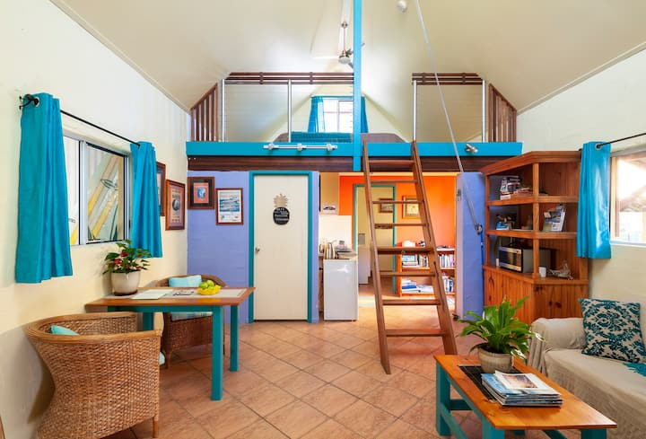 Rainbow Beach Loft - Entire Apartment