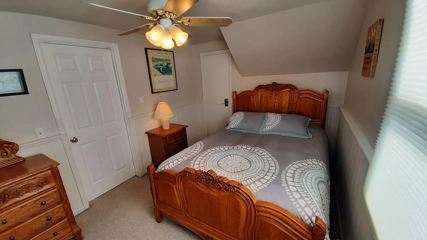Bedroom #1 - Queen Bed; Byers Peak View