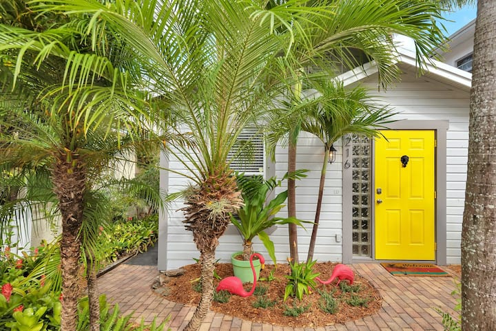 Tropical, 2BR, Dog-Friendly Cottage w/ Plunge Pool