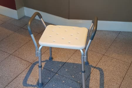 Židle do sprchy