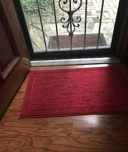 "The entrance door is 36"" wide and flat once in the door."