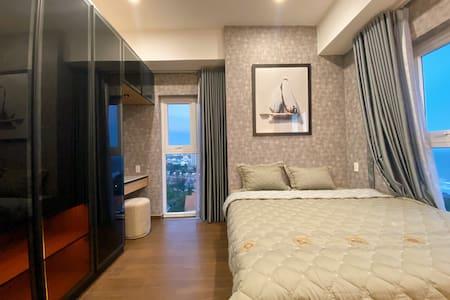 Lối đi rộng hơn 1 met trong phòng ngủ